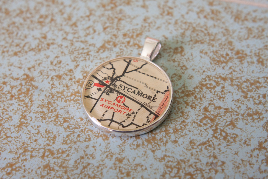 sycamore illinois resin map necklace
